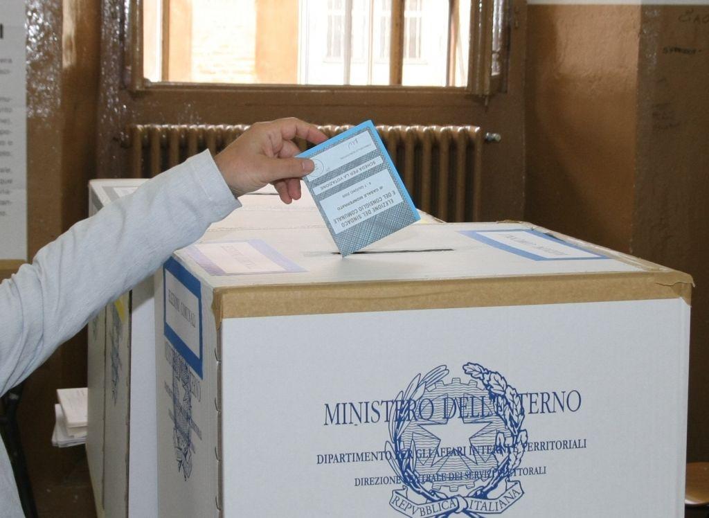 Election Day: aperti i seggi si vota per Europa, Regione e Comune