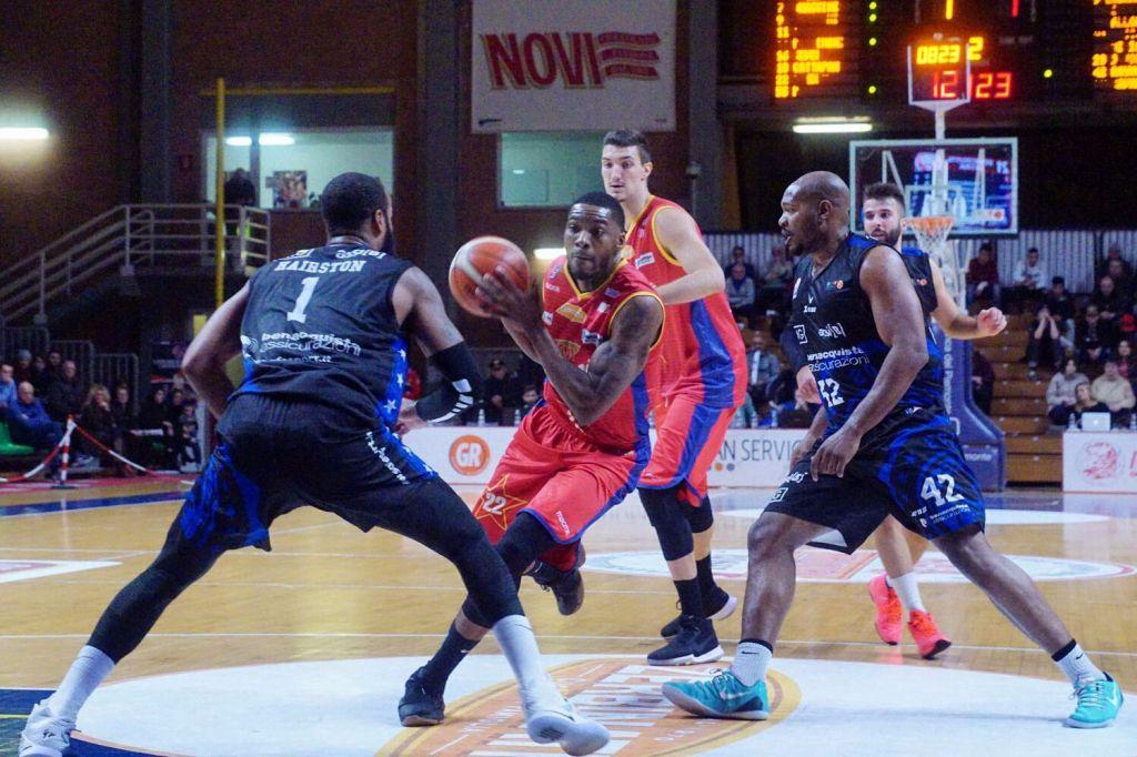 Novipiu' sconfitta di un solo punto a Cagliari: 75-74
