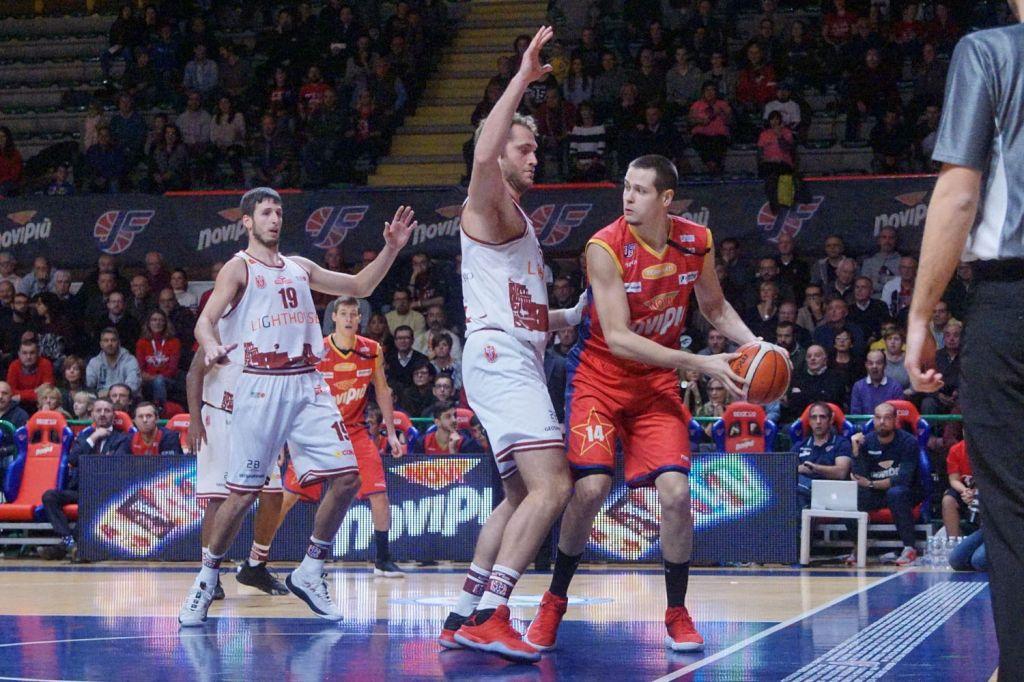 Novipiù in svantaggio a Trapani 40-34 a metà partita